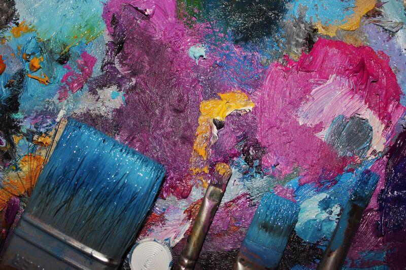 Kunstenaars en makers die kleuren proeven en geluiden zien
